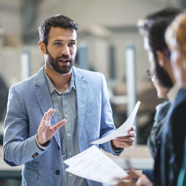 Veja como se tornar um bom líder para tocar o negócio com eficiência